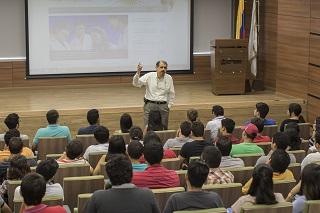 USF Professor Jose Zayas-Castro presenting at Catesra Global in Colombia at Universidad del Norte